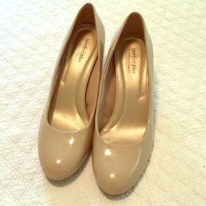 Short high heel pumps